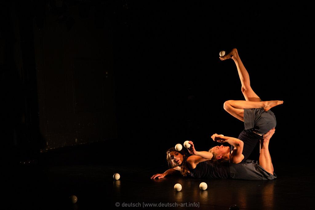 Play Nice | Ariane & Roxana
