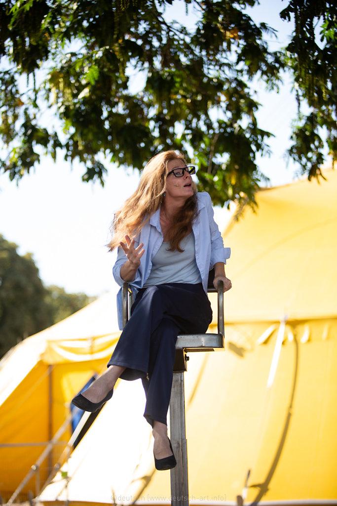 Melissa Von Vépy. l'aérien